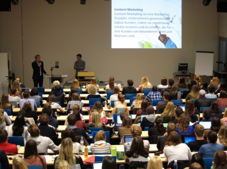 Content Lab: Entstanden aus der Online-Marketing-Vorlesung von Tobias Zehnder und Andreas Braendle and der Uni Zürich